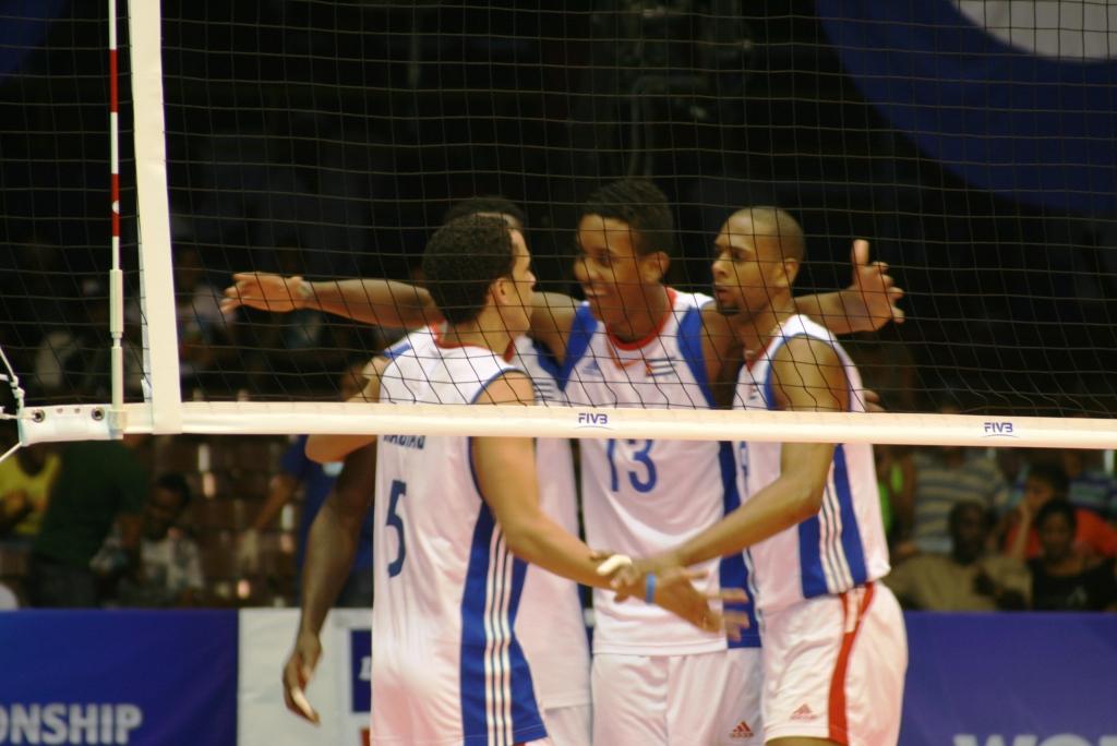 Cuba celebra una jugada
