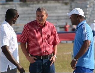 Jorge Luis Sánchez (centro) durante la Copa Cuba 2013. (Foto: Reynier Batista Morales / DeporCuba)