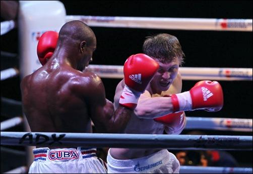 Ramon Luis de Cuba de 75 kg le gano a Andrey Efremenko de Rusia.