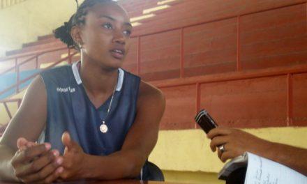 Yamara Amargo juega en Venezuela
