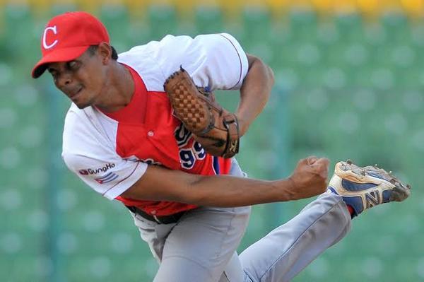 Beisbol-cuba-Premier12-2do partido Cuba vs Holanda gana cuba 6 x 5 . Jose Angel Garcia lanzador ganador x cuba
