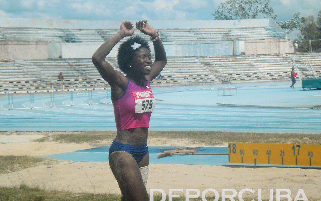 La atleta cubana: Salto triple