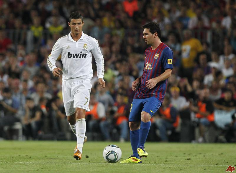 #DelMuro: ¿Qué sucedería si Messi o CR7 llegan de visita a La Habana ?