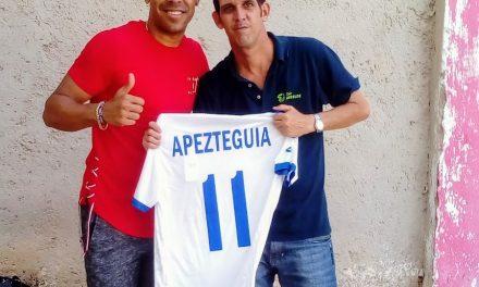 Apezteguía en Cuba. Los futbolistas también tramitan su regreso