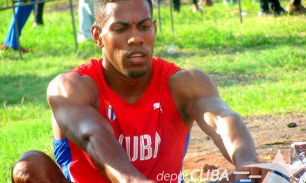 Mena repitió triunfo en los 200m