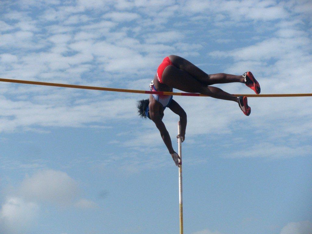 Rosaidi Robles durante la final del salto con pértiga del Internacional Memorial Barrientos 2019