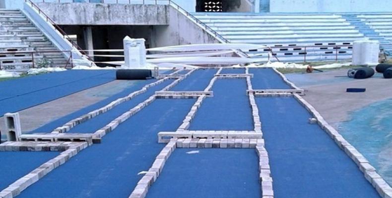 Estadio Panamericano: inicia colocación de la pista principal