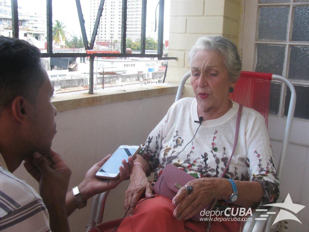 Evelyn Claudio habla con Deporcuba. Momento de la entrevista / Foto: Lilian Cid Escalona