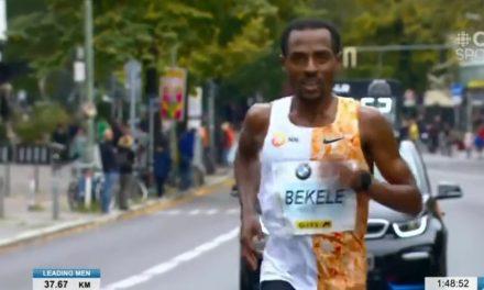 Bekele, 2:01.41, para ganar en Berlín.