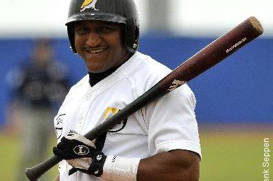 Fausto Álvarez, De la aplanadora a MVP de Liga en los países bajos