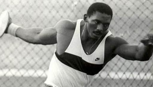 El atleta cubano: Lanzamiento del disco