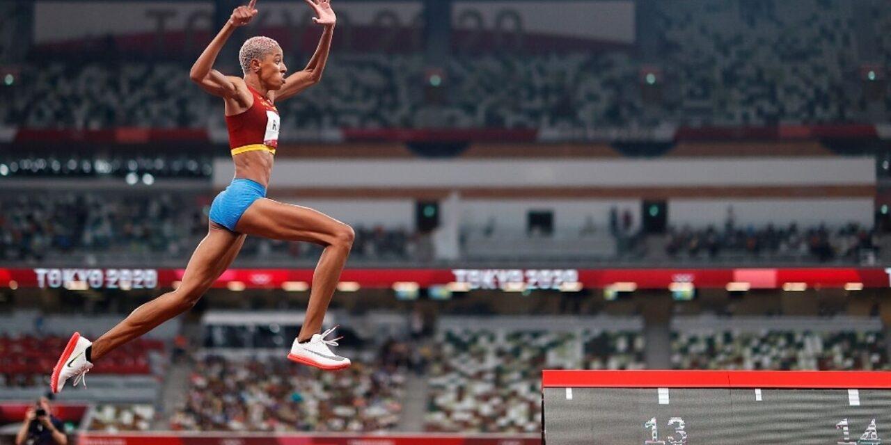 Yulimar Rojas estremece los cimientos de Tokio con sus 15.67